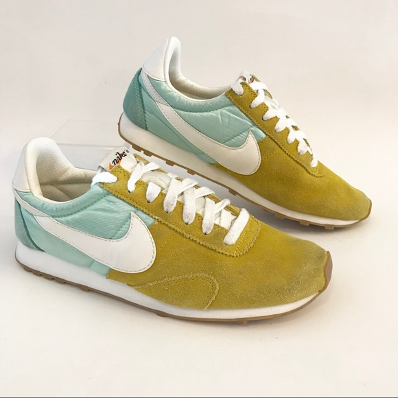 Nike Pre Montreal Racer Vintage Yellow mint white 555258 -303 Women's 7